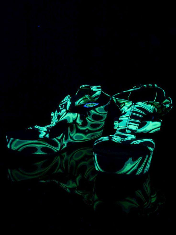 """Schwarzlicht Neon Style Keil Sandalen """"Jungle Reptoid"""" #blacklight #schwarzlicht #spacetribe #shoes #sandals #psy"""