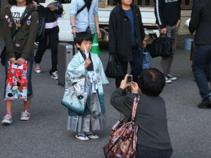 CARA ORANG TUA JEPANG DALAM MENDIDIK ANAKNYA | ARTFORIA.COM  Berita Lifestyle Jepang – Jepang menjadi salah satu negara yang sangat dikenal dengan budayanya, budaya Jepang dalam mengasuh anak nampaknya memang bisa menjadi salah satu pelajaran berharga bagi masyarakat-masyarakat diluar Jepang untuk dapat memahami budaya masyarakat Jepang terhadap mengasuh anak mereka, cara-cara orang tua Jepang mengasuh anak  yang cukup berbeda dengan para orang tua dibeberapa negara hal tersebut membuat…
