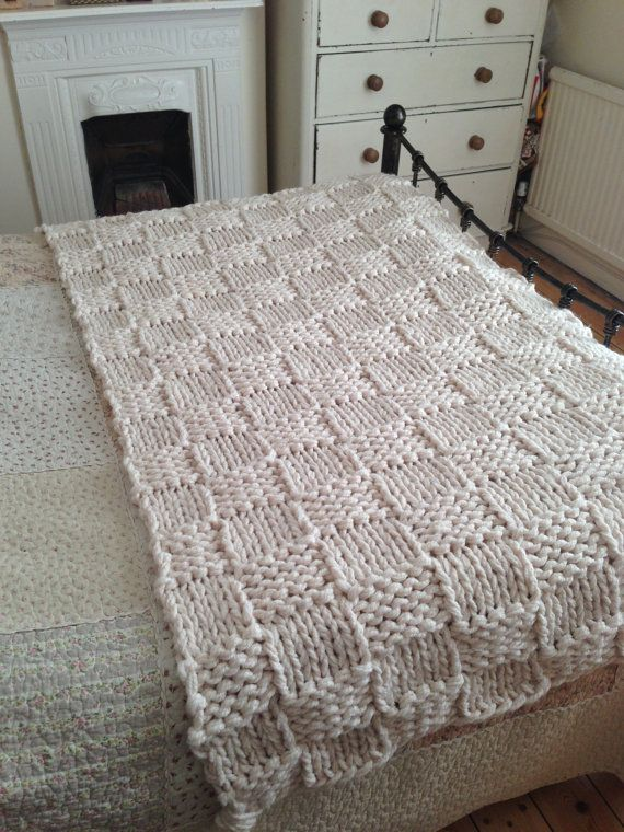 Knitting Patterns For Bed Throws : 1000+ images about Big Chunky Extreme Knitting on Pinterest Cushions, Warm ...