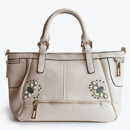 Shell, white handbag really nice and ideal for the summer 2014. Adadi Accessories