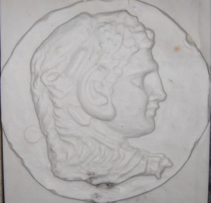 Alexander the great . Marble relief sculpture white marble (volakas) 38 x 42 cm (aprox 14,2 x16,5 in) 7 cm thickness(2,75 in).
