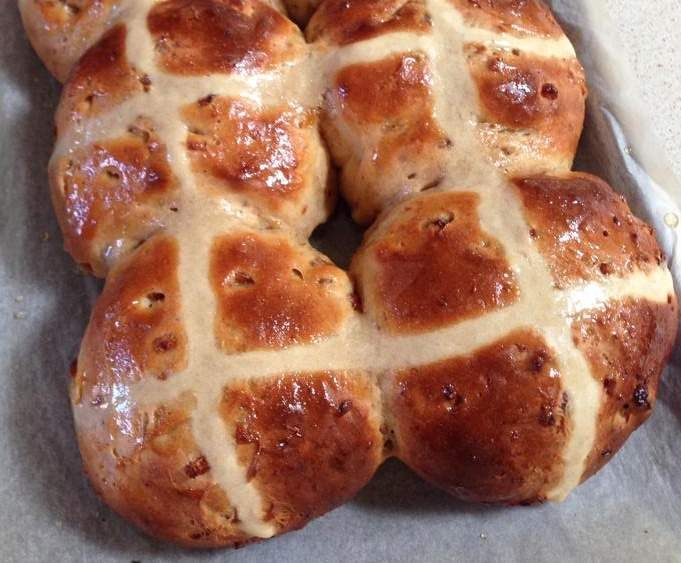 Recipe Apricot and White Chocolate Hot Cross Buns by eco_opps - Recipe of category Breads & rolls