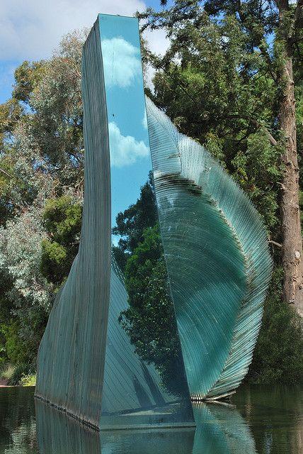 Cascade - Glass Sculpture by Sergio Redegalli. Botanic Gardens, Adelaide, Australia:
