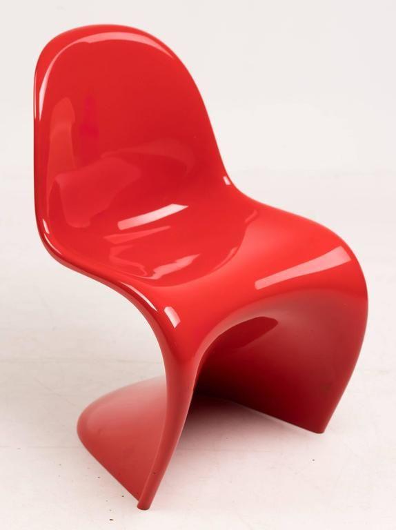 Modern műanyag szék