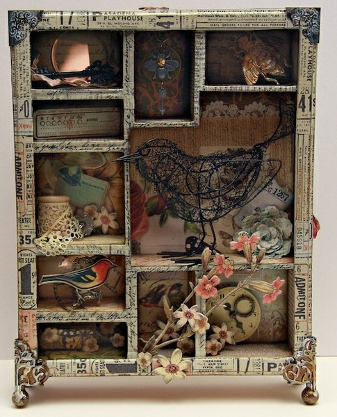 Tim Holtz Configuration Box - Spool with lace, bird.