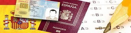 Lista completa de países con los que España permite la doble nacionalidad    Rumanía, no está :(  https://www.migreat.es/es/latinos/madrid/residencia/doble-nacionalidad-espa%C3%B1a-h4330