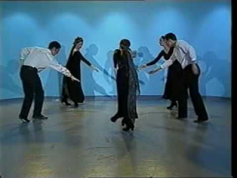Danza tradicional israelita: Hashu'al :: I imagine the 4th graders could do this one with grace.