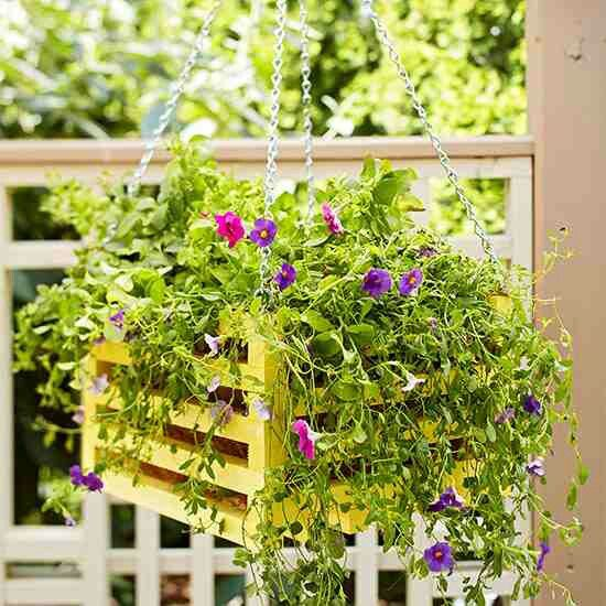 17 Best Images About Pallet Hanging Baskets On Pinterest