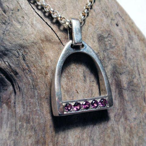 Stirrup Necklace – Unio Goldsmith