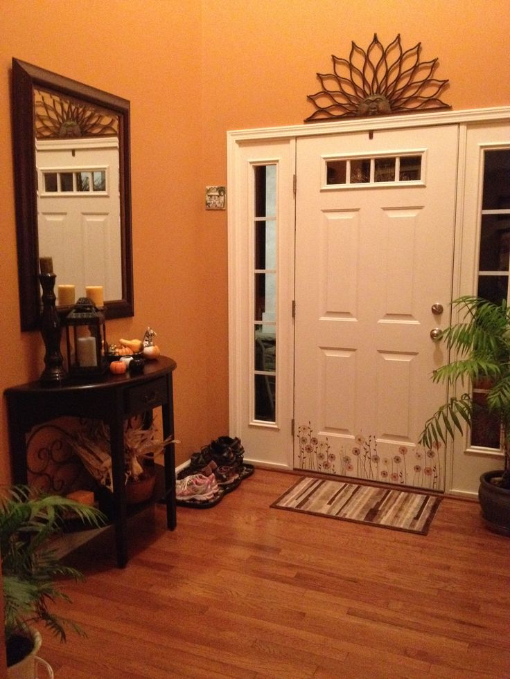 entryway in autumnal by sherwin williams