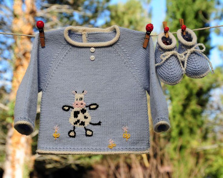 layette ensemble vache naissance en mérinos bleu brassière et chaussons tricoté main : Mode Bébé par com3pom