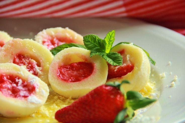 V kuchyni vždy otevřeno ...: Nejjednodušší tvarohové těsto na ovocné knedlíky
