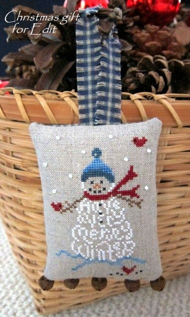 "JBW Designs: ""A Very Merry Winter"". Love how she added the Pom poms to the little pillow."