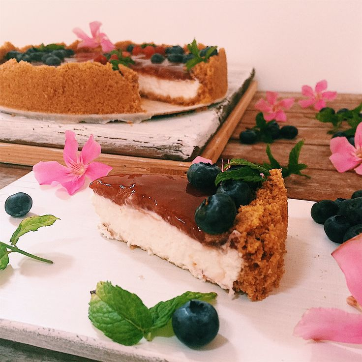 Cheesecake senza cottura, zucchero e burro - pubblicata da greenteaforbreakfast.com
