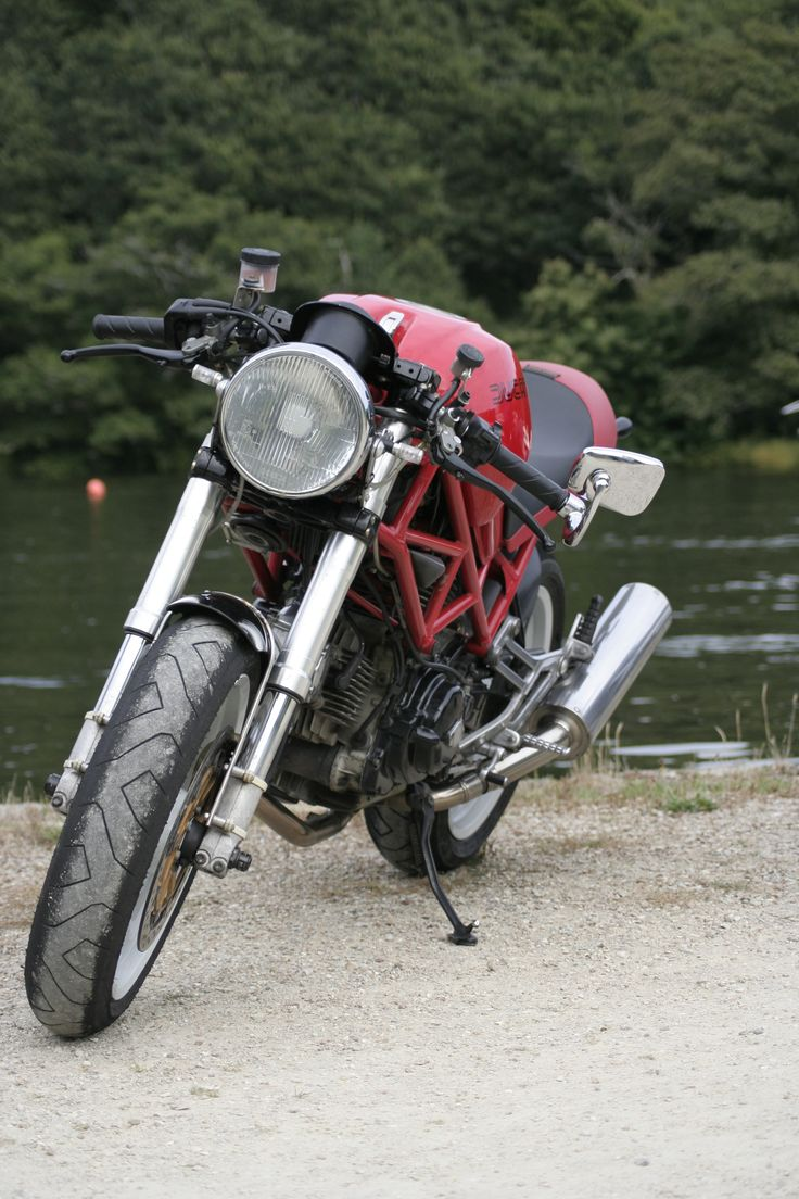 DUCATI Monster 600 cafe racer par Mathieu Derrien