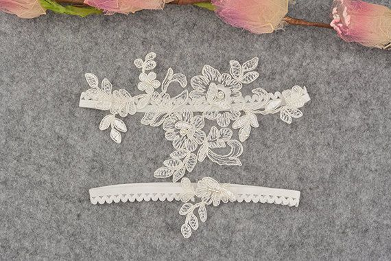 jarretière de mariée blanc Jarretière en dentelle par annabrides