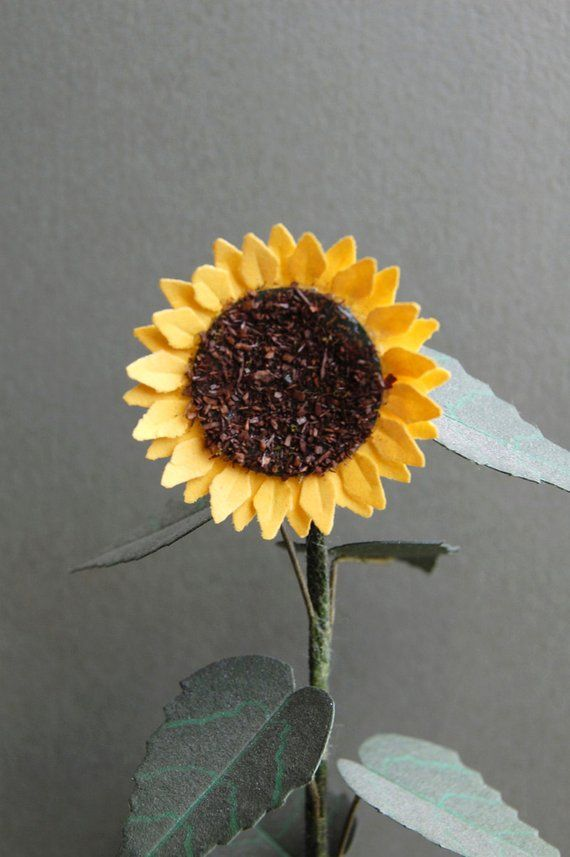 Giant Sunflower Plant Paper Flower Kit For 1 12th Scale Dollhouses Florists And Miniature Gardens Planting Sunflowers Paper Flowers Giant Sunflower