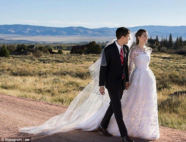 Just married! Allison Williams, 27, and Ricky Van Veen, 34, tied the knot in Wyoming on Saturday afternoon, 19 September 2015