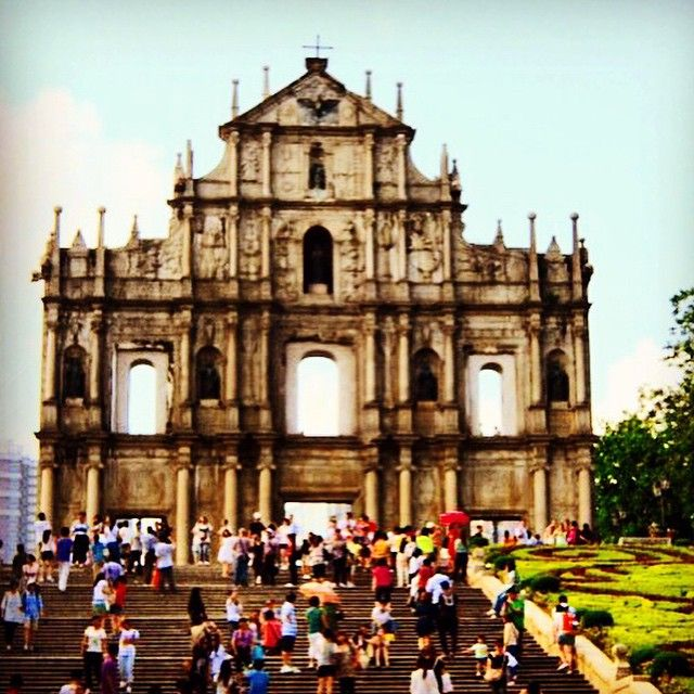 Macau is more than just a gambling destination. To read more about Macau's Portuguese roots mixed with Chinese culture, check out today's post. www.thesenoraproject.com ✈️ #travel #travelgram #latergram #smartertravel #travelblogger #lifestyle #trip #explore #jetsetter #backpacker #travelphotography #jetsettering #nomadic #wonderlust #viajero #viajem #worldingram #passionpassport #insta_international #photo #photographer #voyage #worldcaptures #lifeofadventure  #expediapic #travelawesome…