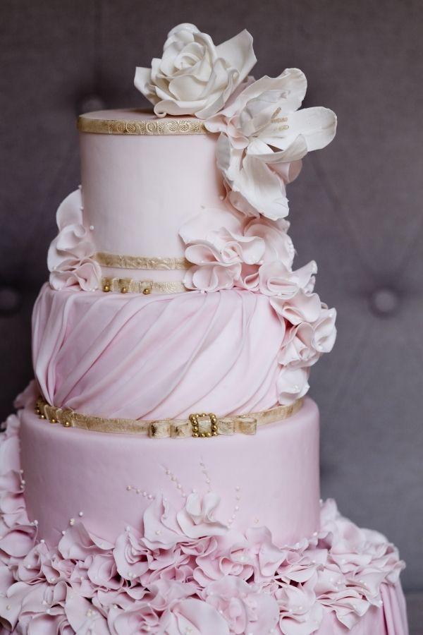 Vera Wang Inspiration  By: cake_whisperer    Inspired by Vera Wang Bridal 2011 -Melanie Rebane Photography