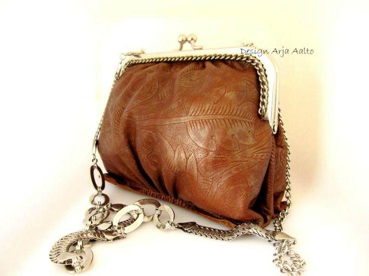 Frame purse, leather.