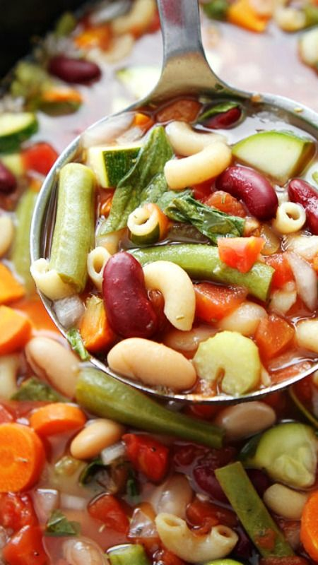 Slow Cooker Minestrone Soup ~ this easy slow cooker soup is loaded with vegetables, beans, and pasta