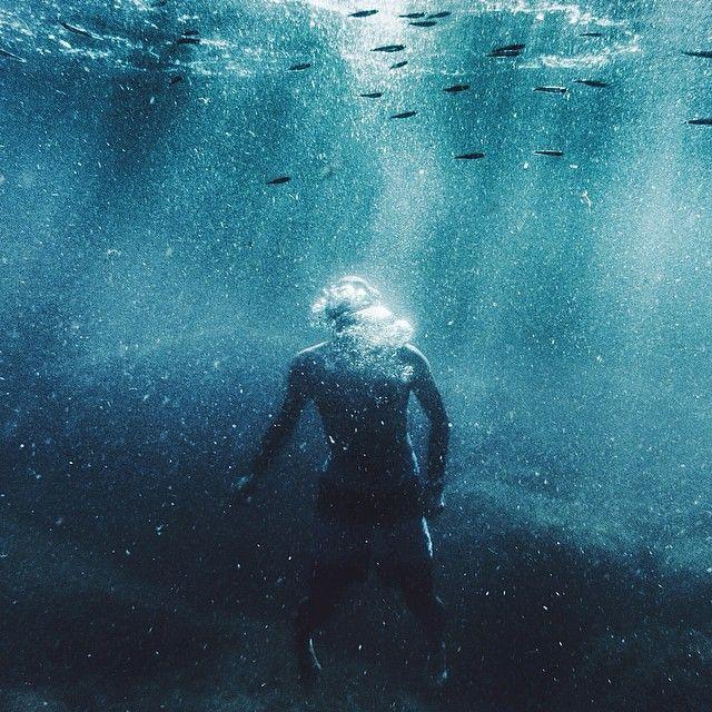 ⠀⠀⠀⠀⠀⠀⠀⠀⠀⠀Cédric Dasesson @cedricdasesson Instagram photos | underwater, sardinia, sardegna, sea, seascape, sun, light, wave, breathe, drop, blue