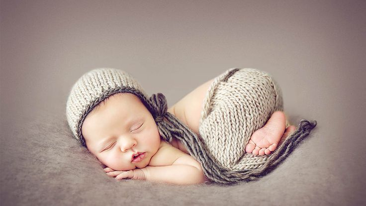 How to take adorable newborn photography with kelly brown