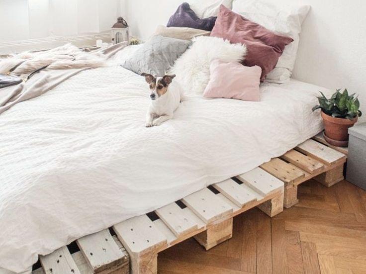 diy anleitung einfaches bett aus paletten selber bauen via do it yourself do and und. Black Bedroom Furniture Sets. Home Design Ideas