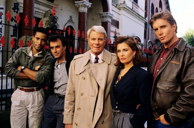 Still of Jane Badler, Peter Graves, Antony Hamilton, Phil Morris and Thaao Penghlis in Mission: Impossible