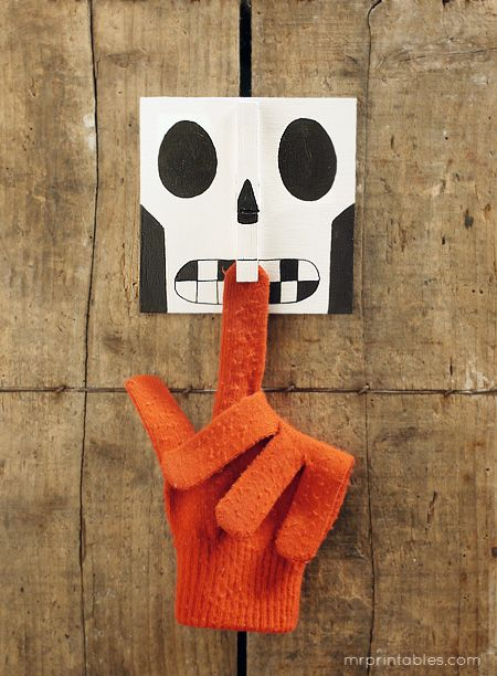 do as day of dead for holding mail, etc...--Skull Bites Halloween Crafts - Mr Printables