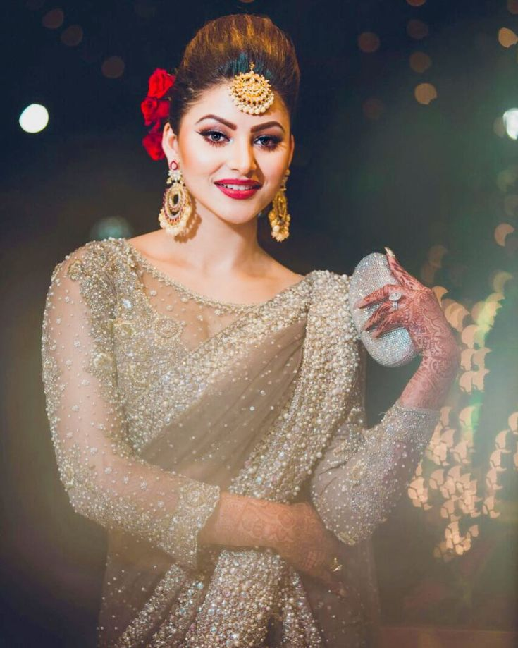 "222.3k Likes, 1,086 Comments - URVASHI RAUTELA Actor (@urvashirautelaforever) on Instagram: ""@farazmanan """