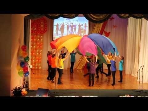 """http://www.youtube.com/watch?v=zFb-fD6l8xY Танцуют девочки группы №7 МБДОУ №18 """"Настенька"""" г.Астрахани (27 октября 2011 г.) на осеннем утреннике. Музыкальный..."""