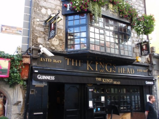 Oh Galway how I miss you, and the pints of Guinness at the Kings Head