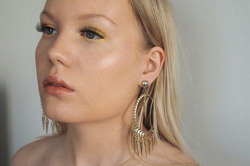 Yellow Golden Makeup