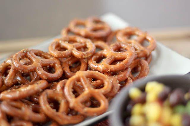 Easy seasoned pretzels for any get together
