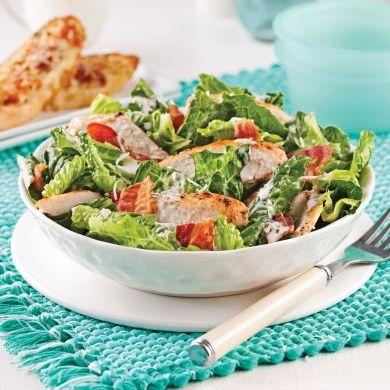 Salade César au poulet - Soupers de semaine - Recettes 5-15 - Recettes express 5/15 - Pratico Pratiques