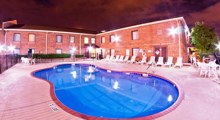 Red Roof Inn Charlotte UNCC Charlotte This Charlotte, North Carolina motel is 5 miles from the University of North Carolina. The hotel features free Wi-Fi, free local calls, and a seasonal, outdoor pool.