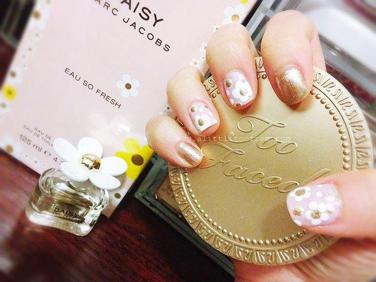 DIY Marc Jacobs daisy nail tutorial