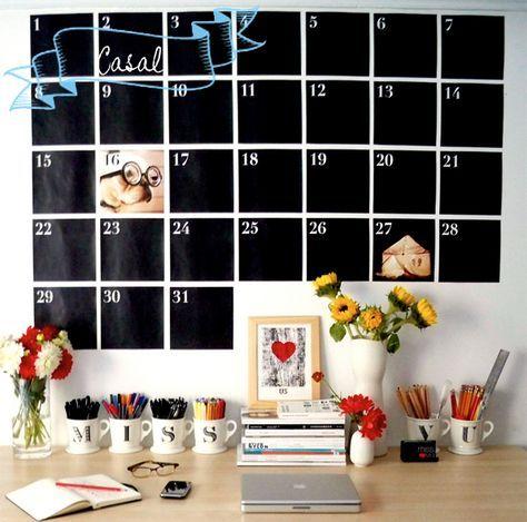 Aprenda a fazer um calendário de parede estilo lousa