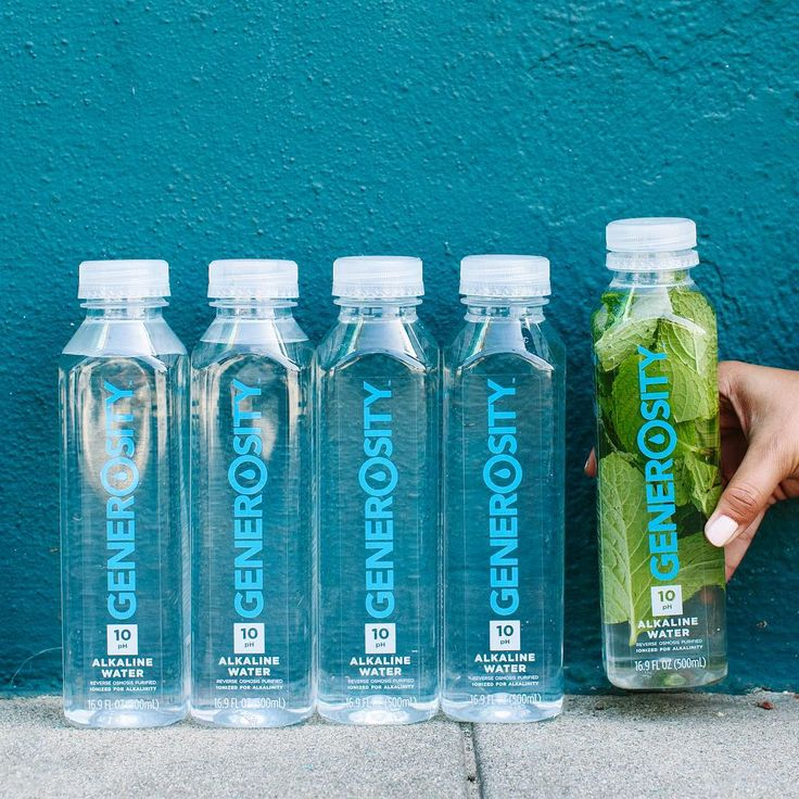 Fresh, mint-infused #GenerosityWater. What are you adding to your #alkalinewater this summer? #Generosity #Alkaline #perfect10 #DrinkGiveLive