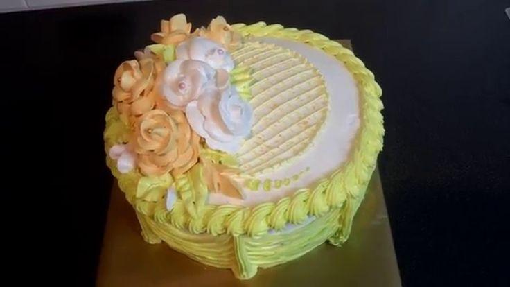 украшаем торт кремом.Нежный торт с рюшами