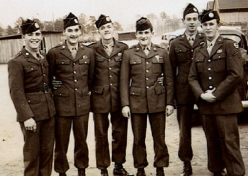 l-r: Johnny Martin, Angelo Dukelis, Albert Blithe, Bill Guarnere, unknown, Pat Christenson
