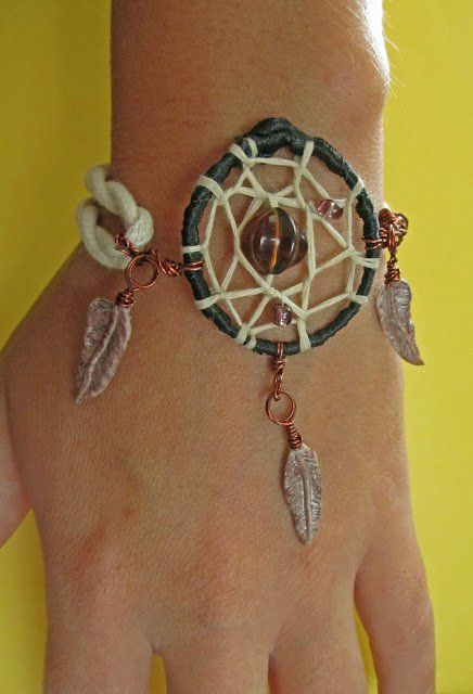 ABOVE THE CLOUDS: DIY DREAM CATCHER BRACELET (TUTORIAL)