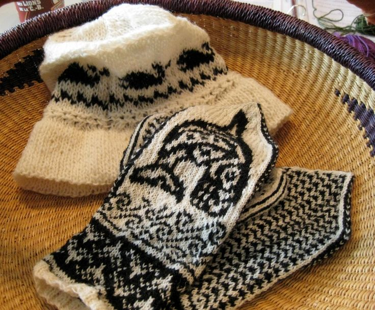 Liz's stunning mittens and hat.