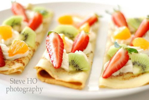 umm soo deliciouss crepes chocolate and fruit
