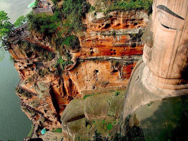 世界遺産 楽山大仏 中国の絶景写真画像  中国