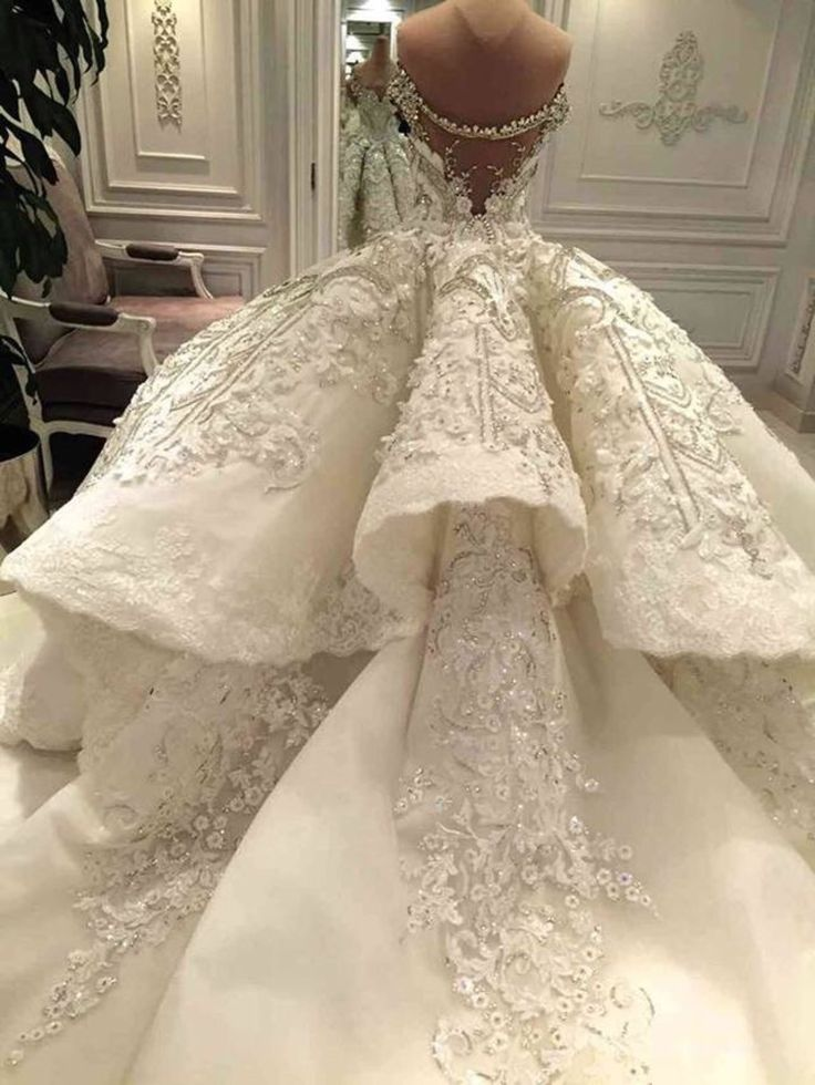 112 Best Images About Bomb Wedding Gowns On Pinterest