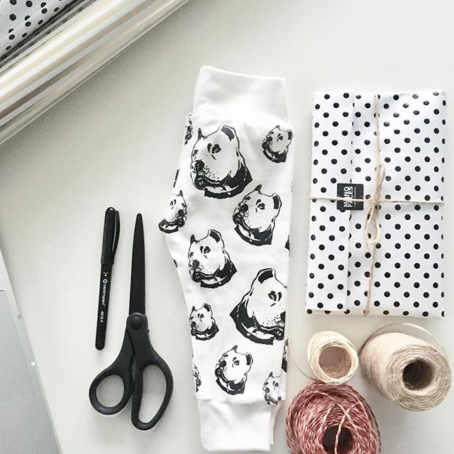 Grey sky makes working easy! Orders shipping today and taking a little rest. Hope it's 🌞 where you are🤞🏻! ••••••  Pitbull print organic cotton baby leggings are in our Etsy shop, link in bio.    #monofaces