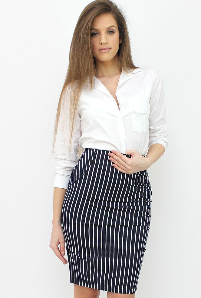 Striped Pencil Skirt for a classy office chic look. http://famevogue.ro/haine_femei_85/pantaloni_scurti_si_fuste_88/fusta_creion_cu_dungi  #skirt #office #style #fashion #casual